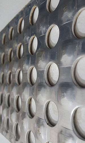 Distribuidor de chapa de alumínio xadrez